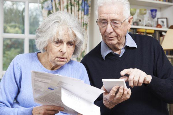 Работающие пенсионеры потеряют треть дохода // diwis.ru